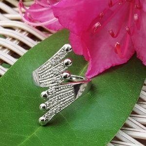 Jewelry - NWOT 18K White Gold CZ Statement Ring